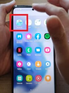 How To Enable Disable Bixby Voice Wake-Up Galaxy S21 Step 2